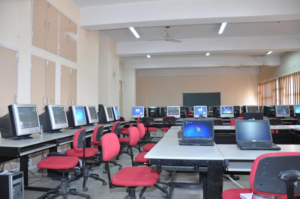 Computer Center cdlsiet.jpg